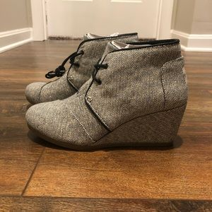 TOMS Tweed wedge bootie. 7.5 NWOT